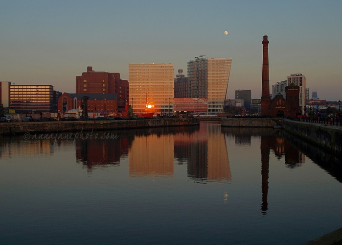 Sunset & Moonrise - 20090109-sunset-moonrise-canning-dock.jpg - Anna Nielsson