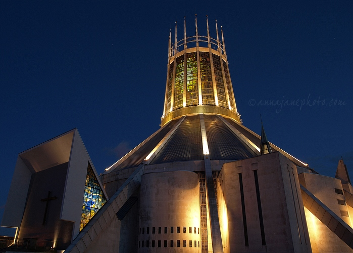 20100827-liverpool-catholic-cathedral.jpg