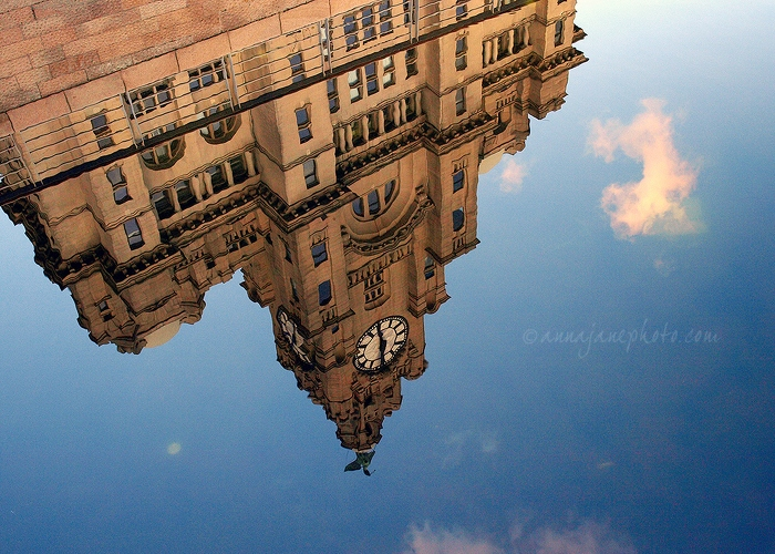 Liver Building Canal Reflection - 20101016-liver-building-canal-reflection.jpg - Anna Nielsson