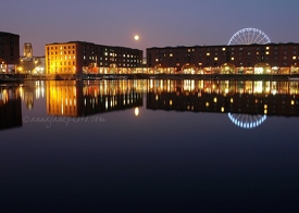 Albert Dock, Night