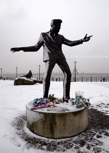 Billy Fury Statue - 20130118-billy-fury-statue-snow.jpg - Anna Nielsson