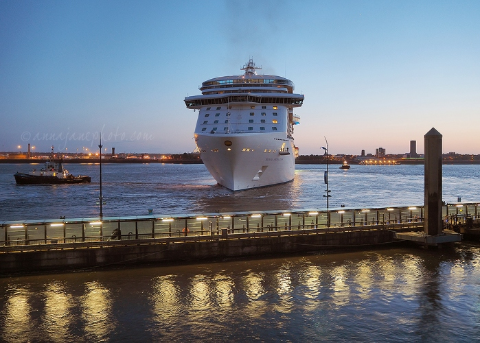 Royal Princess Departing - 20150606-royal-princess-departing.jpg - Anna Nielsson