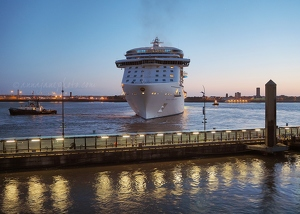 Royal Princess Departing