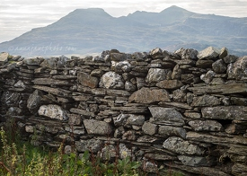 Moelwynion and Stone Wall