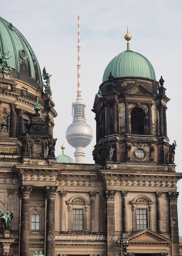 Berlin Cathedral & TV Tower - 20141105-berlin-cathedral-and-tv-tower.jpg - Anna Nielsson
